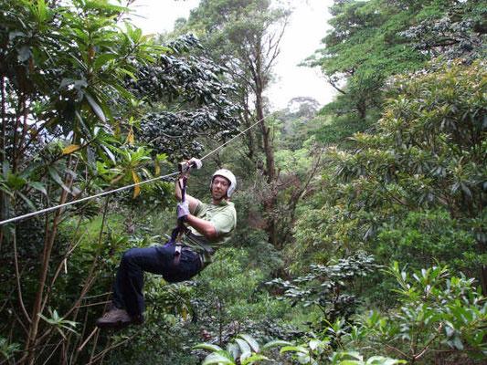 Sky Trek - aan een staalkabel door de jungle zweven