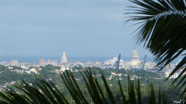 Uitzicht over Havana in de verte