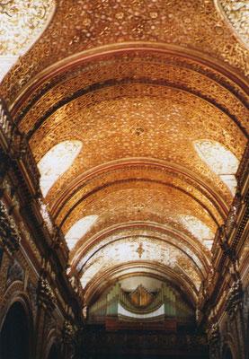 La Compañia de Jesus, 7000 kg goud verwerkt