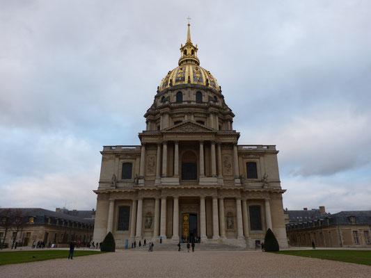 Hotel des Invalides met de tombe van Napoleon