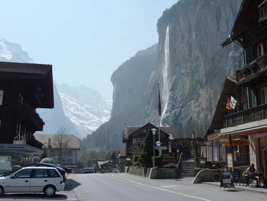 Lauterbrunnen met de Staubbach waterval