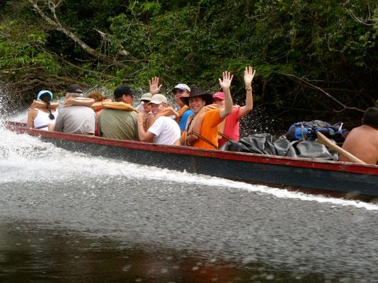 Boot naar het kamp