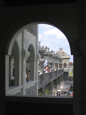 Tirtaganga Waterpaleis