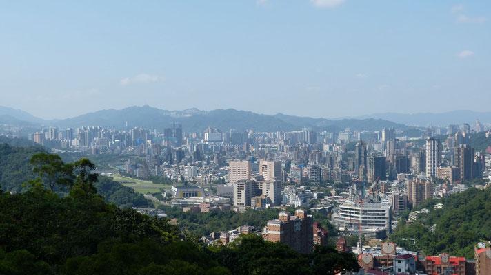 Uitzicht over Taipei vanuit de kabelbaan