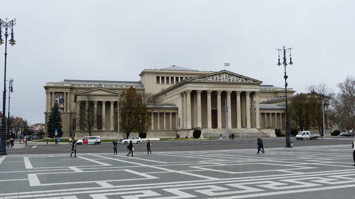Museum aan het Heldenplein