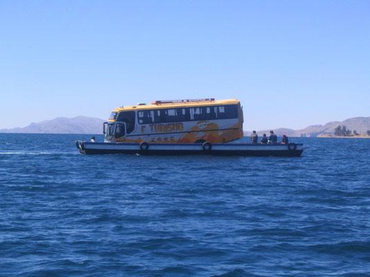 overvaren op het Titicaca meer