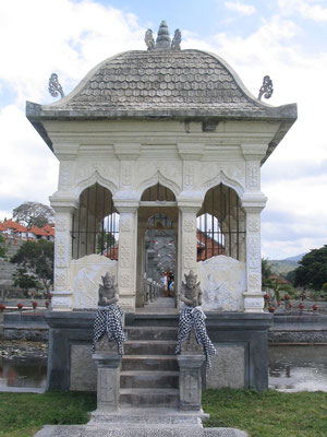 Tirataganga Waterpaleis