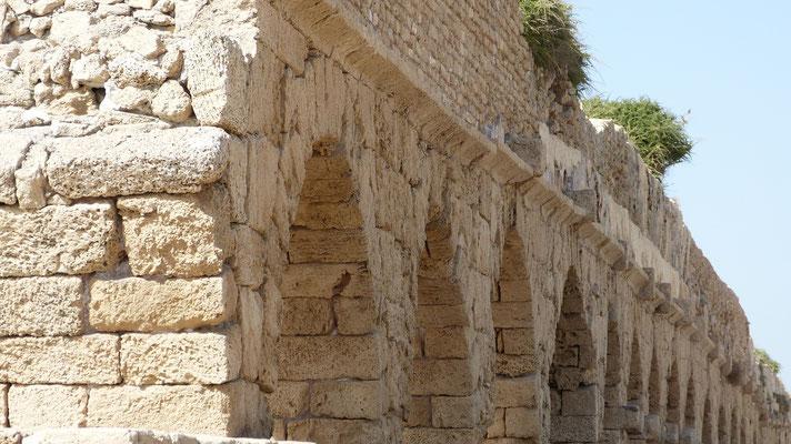 Ceasarea, aquaduct