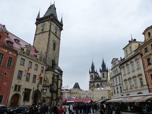 Oude stadsplein en de klokkentoren