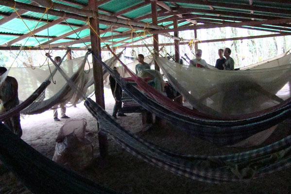 Kamp met hangmatten