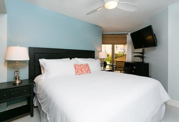 Cayman Reef #17 King Bedroom