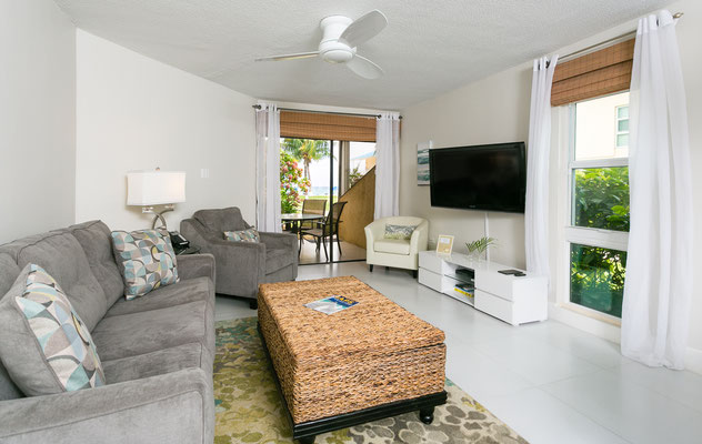 """Cayman Reef #17 Living Room with 42"""" TV with HD cable"""