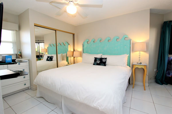 Cayman Reef #5 Bedroom with King Bed