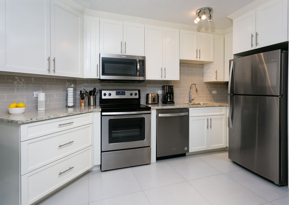 Cayman Reef #17 Kitchen with stainless appliances