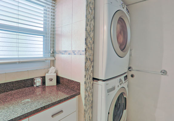 Cayman Reef #36 with Washer and Dryer in condo