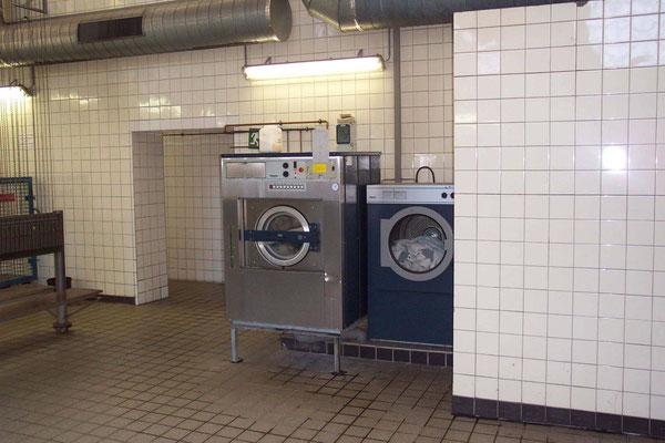Waschmaschine und Trockner für die Grubenwäsche