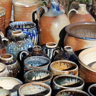 Keramiken mit Salzbrandeffekten
