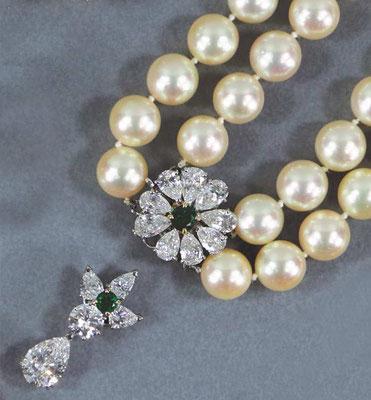Adjugé 29 430 € - KREISS Joaillier, PENDENTIF or et diamant 2,31 cts, émeraudes, et COLLIER de perles