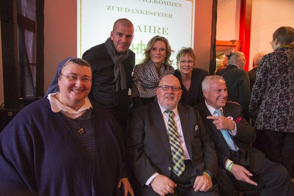 mit Sr. Teresa Zukic, Michael Stahl, Bianca App, Sabine Langenbach und Joseph Müller