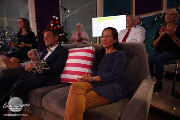 Zwei große Stimmen auf unserem Cominghome-Sofa: Chrigi Eckhardt und Hyeong-Uen Nölken.