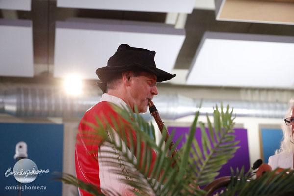 Max, alias Dieter Schumann.