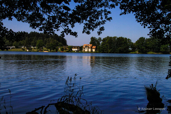 Haus am See am Dreifelder Weiher