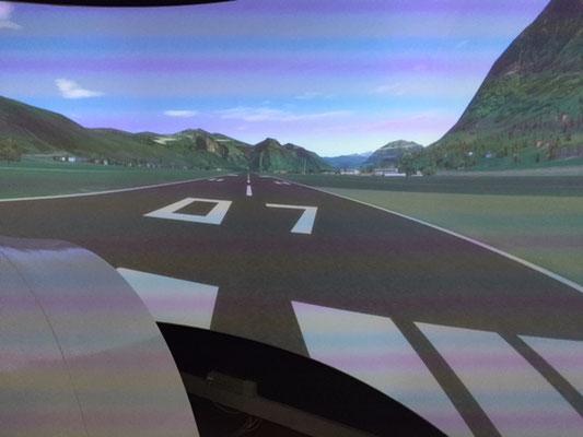 Im Flugsimulator wird der Vierwaldstättersee überflogen.