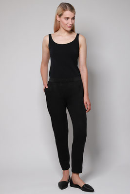 Pants VISKLA Black front – € 139,00
