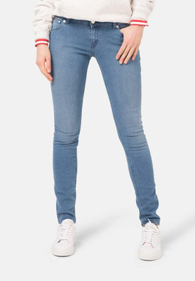 Skinny Lilly Mud Jeans pure blue front – € 119,00