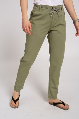 Canvas Pants olive front – € 109,00