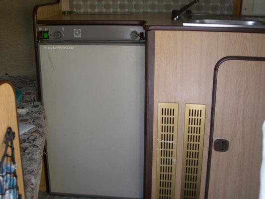 Fiat Ducato 280L - The fridge