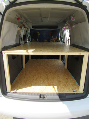 VW Caddy Maxi - Bed