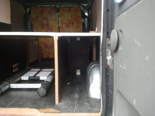Renault Trafic L2H1 - Storage on the right hand side