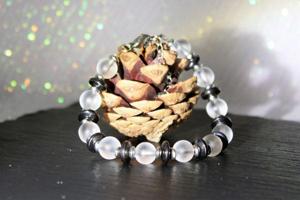bracelet perles en verre, acier inoxydable et hématite 18€
