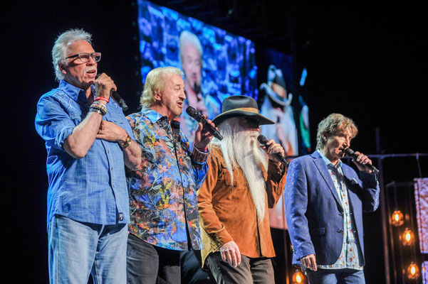 The Oak Ridge Boys Photo by: Gretchen Demonbreun