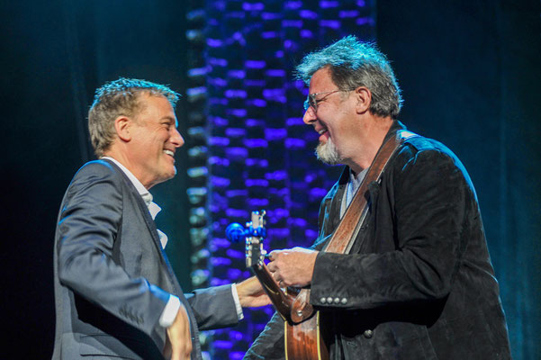 Michael W. Smith, Vince Gill Photo by: Gretchen Demonbreun
