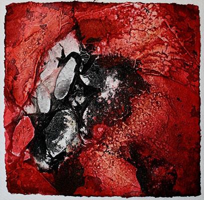 Kleinod in Purpurrot I, Marmormehl, handgeschöpftes Papier, Tusche auf Bütten, 20 x 20 cm, 2012, verkauft