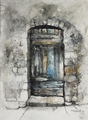 Tür III (Serie alte Türen), Mischtechnik auf Hadernbütten, 38 x 50 cm, 2019, Preis auf Anfrage