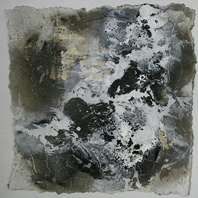 Secondo I, Marmormehl, handgeschöpftes Papier, Papierausrisse auf Papier, 30 x 30 cm, 2013, Preis auf Anfrage