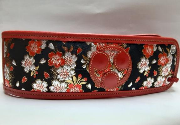桜模様 御紋入り 赤 7㎝ ¥7000