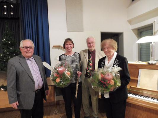 von rechts nach links: Frau Nöckel-Meier, Jürgen Braekow, Frau Lenhard, Hubert Krischik