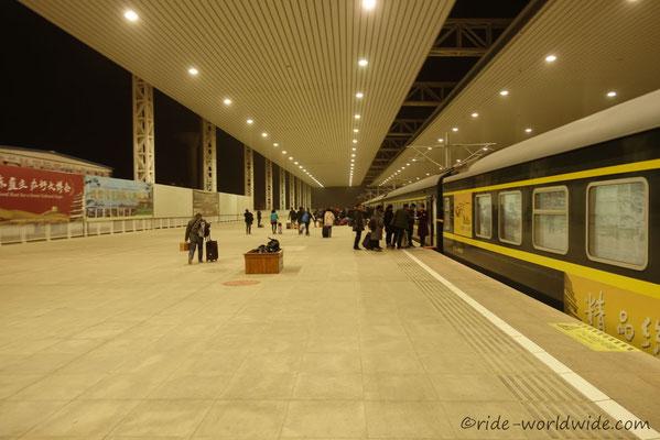 Touristenbahnhof in Dunhuang