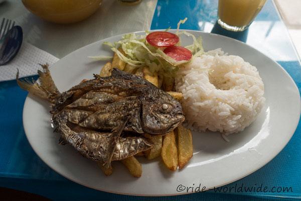 Pescado frito, ein Klassiker als Mittagsmenü
