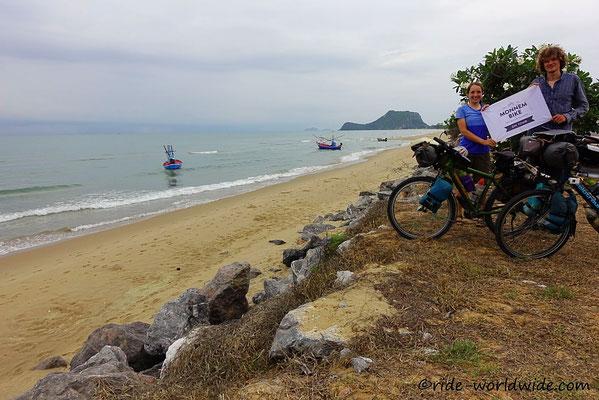 Erster Strand in Thailand