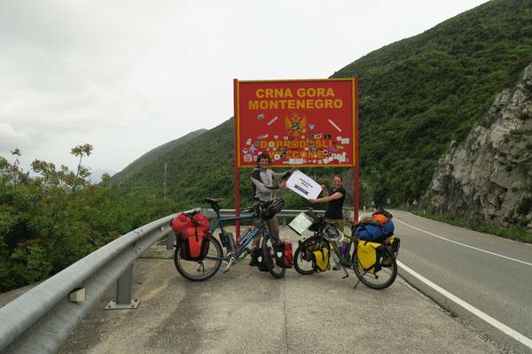 Montenegro direkt hinter der Grenze