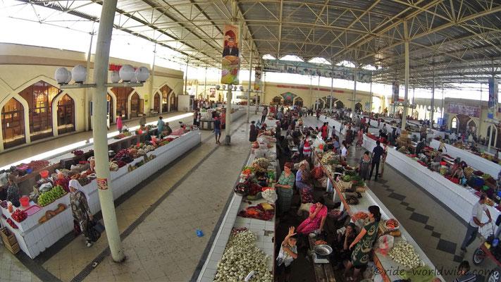 Obst und Gemüse Markt in Buchara