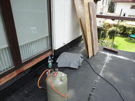 Terrassenabdichtung mit PYE PV5 Bitumen Schweißbahnen