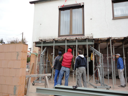 Stahlträger Einbau im Rahmen von Umbaumaßnahmen