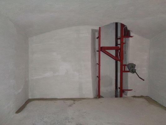 Kellersanierung nachher Abdichtung auf Verkieselungsbasis Material VANDEX BB75 weiß