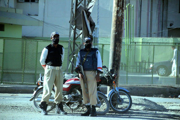 Hohe Präsenz an Sicherheitskräften überall